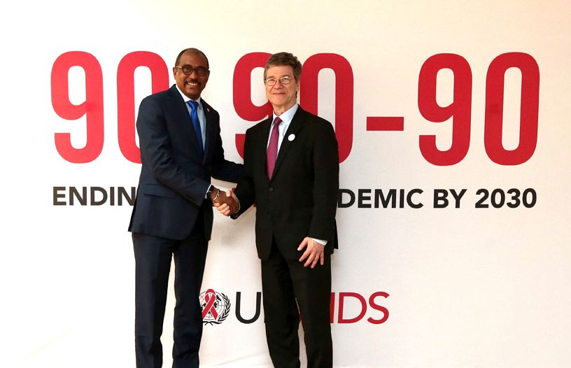 60c38e14bf3 UNAIDS joins forces with the One Million Community Health Workers ...