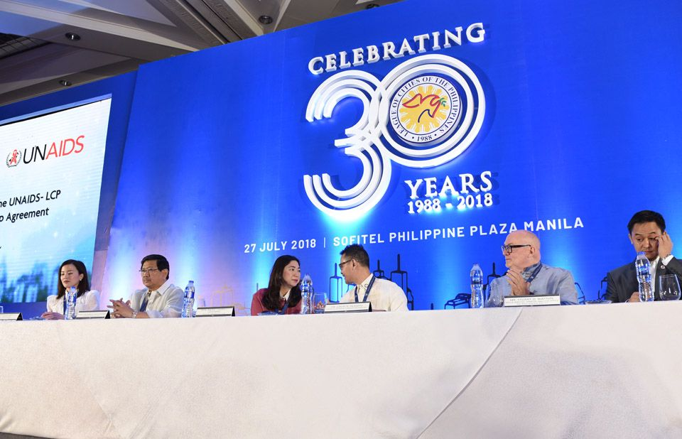 Cities in Philippines pledge to lower HIV infections and