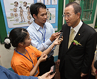 Mr Ban and reporters